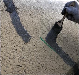 クラック 防水剤刷毛引き